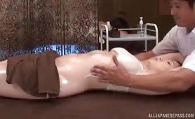日本美艳少妇色情按摩性交视频
